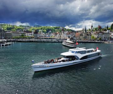 Panorama-Yacht Saphir Lake Lucerne 1