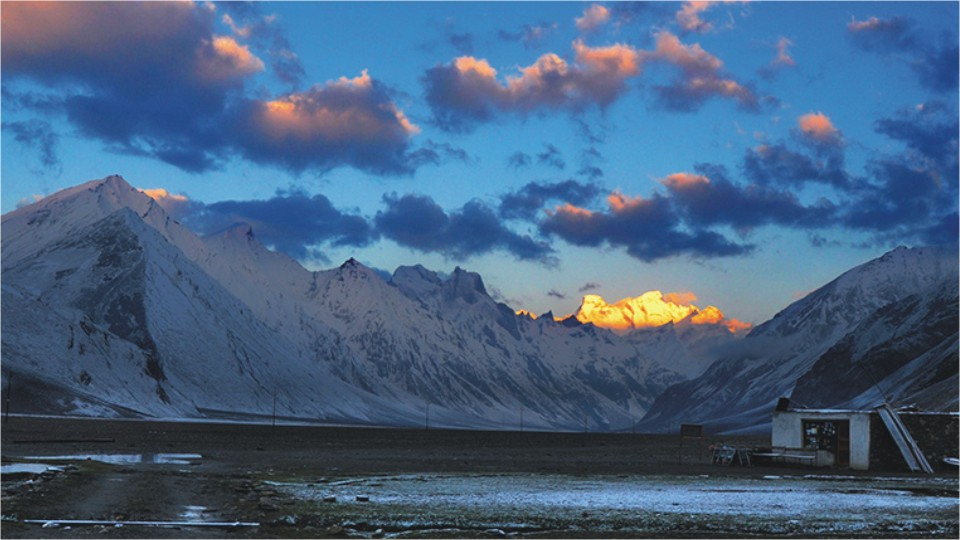 Sunrise in Zanskar Valley, Ladakh