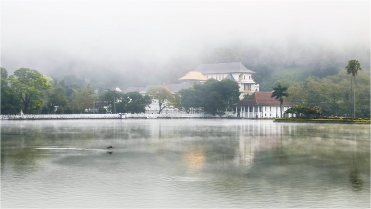 Kandy, a city surrounded by hills